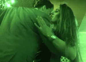 How to dance with girls at a club alpha male